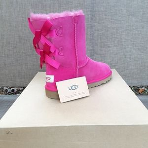 New UGGs Australia Boots size 4